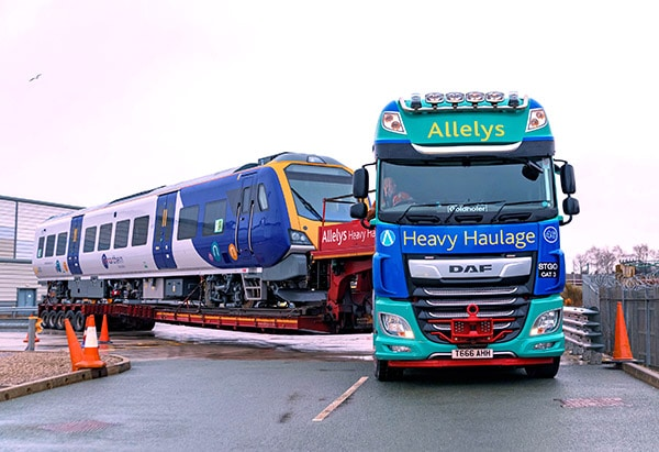 Heavy haulage experts in the transportation of all types of rolling stock