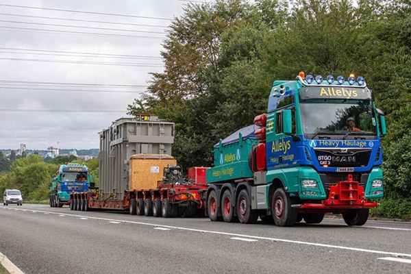 Heavy lifting, specialist transport and installation equipment