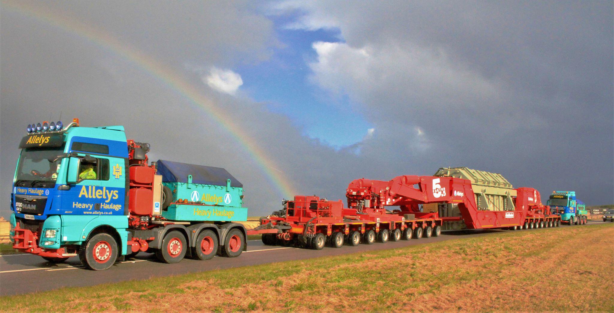 Girder frame trailer used for abnormal load transport